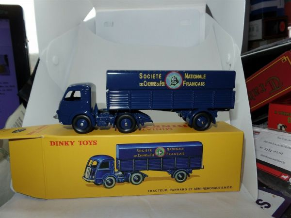 Atlas French Dinky   32AB SNCF RAILWAY TRACTEUR PANHARD TRUCK MODEL